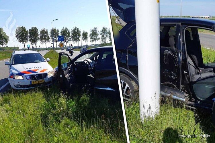 Politie duwt auto van de weg bij Hoofddorp na wilde achtervolging