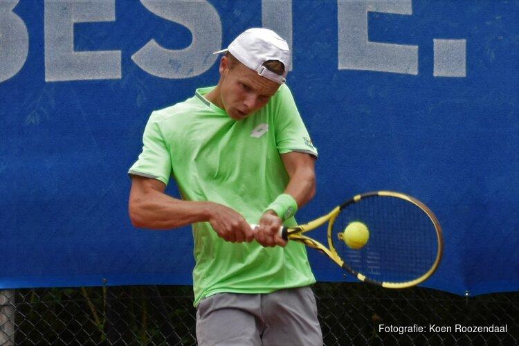 Jesper de Jong blijft spanning de baas en bereikt kwartfinale ITF World Tennis Tour