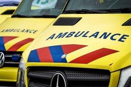 Bestuurder belandt met bestelbus in de sloot en raakt gewond
