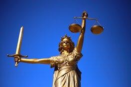 Hoofddorper (40) hoort tien jaar cel eisen voor drugshandel, witwassen en wapenbezit
