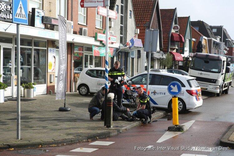 Vrouw met fiets onderuit in Hoofddorp