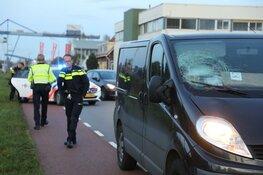 Fietser gewond bij aanrijding met busje