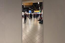 Mogelijk kaping gaande in vliegtuig op Schiphol