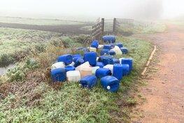 Tientallen vaten met vermoedelijk drugsafval gedumpt langs A9