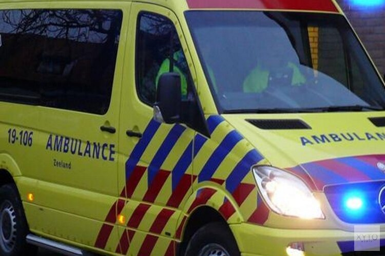 Inhaalmanoeuvre op N201 mislukt: twee gewonden