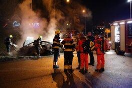 Auto in brand: gewonde gevlucht