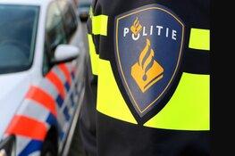Verdachte automobilist met politie op de hielen ramt auto's in Nieuw-Vennep