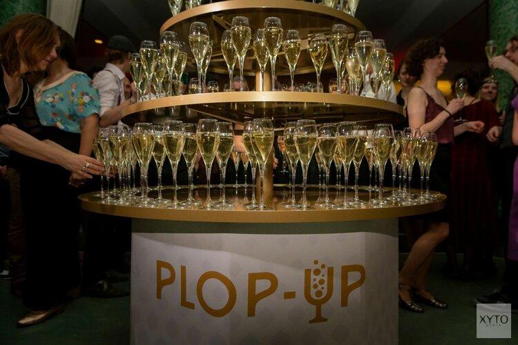 Plop-Up Champagnetoren, een blikvanger bij ontvangst