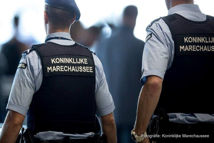 Duo met doorgeladen vuurwapen op Schiphol had geen terroristisch doel