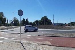 Rotonde Zwarteweg in Aalsmeer weer open voor verkeer