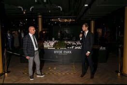Wethouders Nobel en Rip openen Hyde Park House