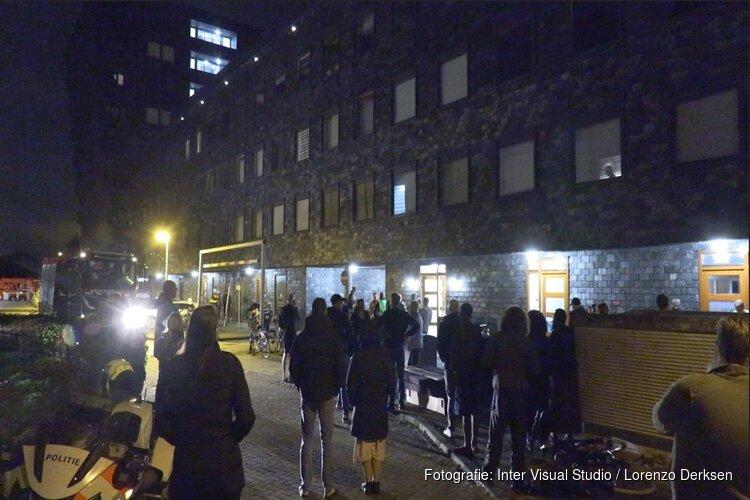 Bewoners appartementencomplex 's nachts op straat na brandmelding