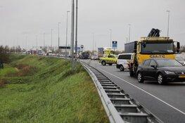 Veel vertraging door onwel geworden vrachtwagen op de A9 bij Spaarndam