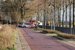 Politie en brandweer doen onderzoek in loods in Hoofddorp